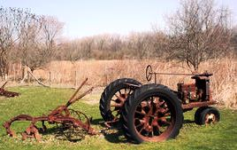 old_aged_tractor-b